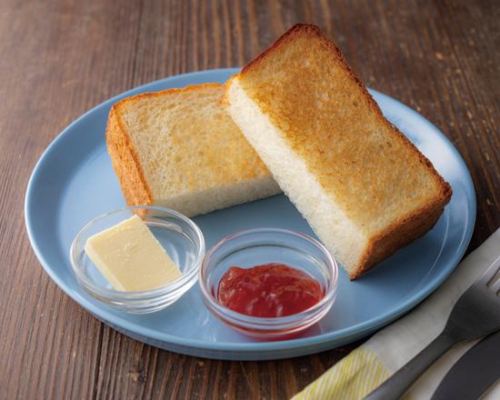 北海道産小麦を使ったもっちり食パン-あまおうイチゴジャム- 380円(+税)